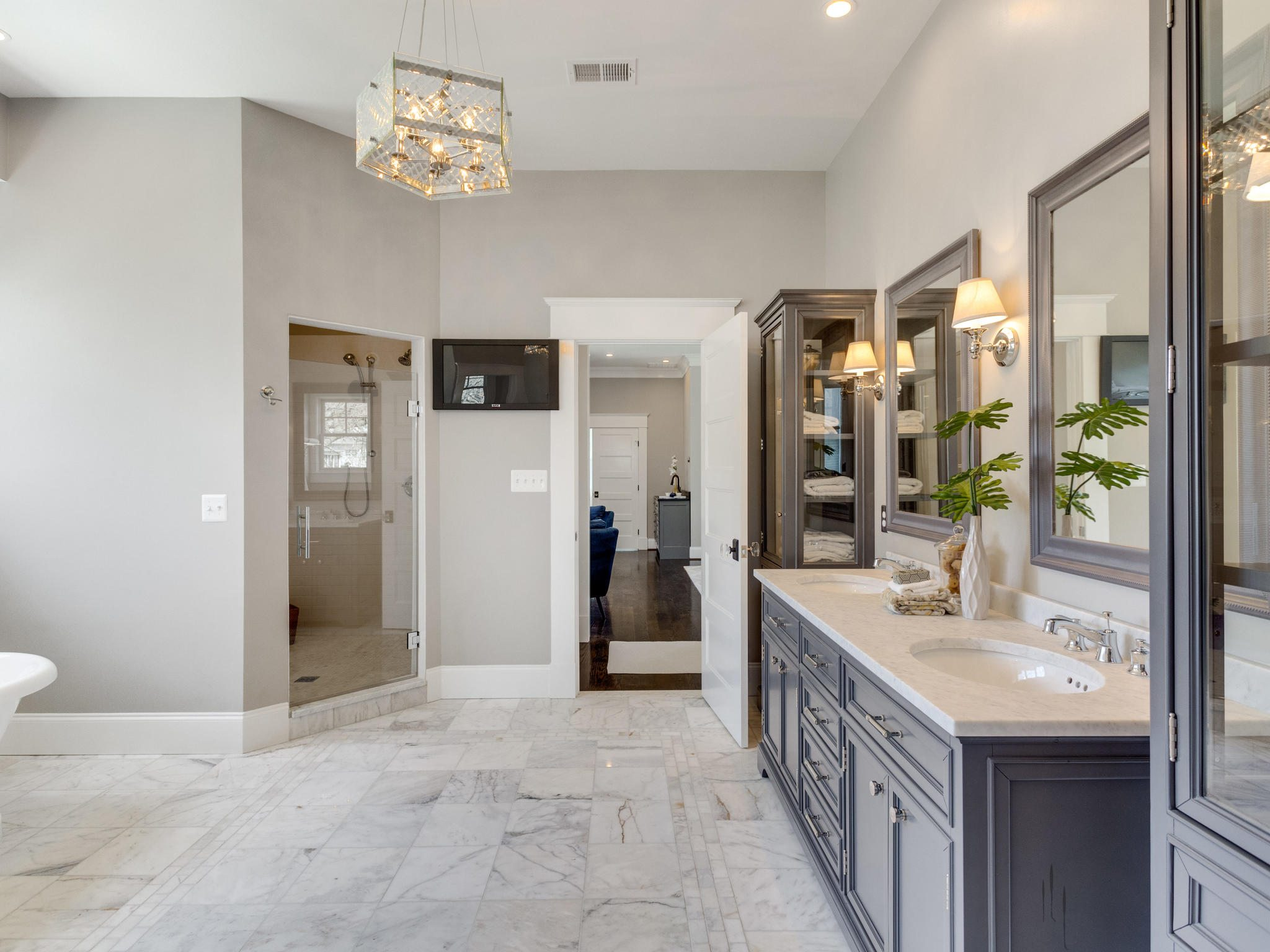 Master bath with heated marble floors. Custom Home by Custom Builder, North Arlington, VA 22207