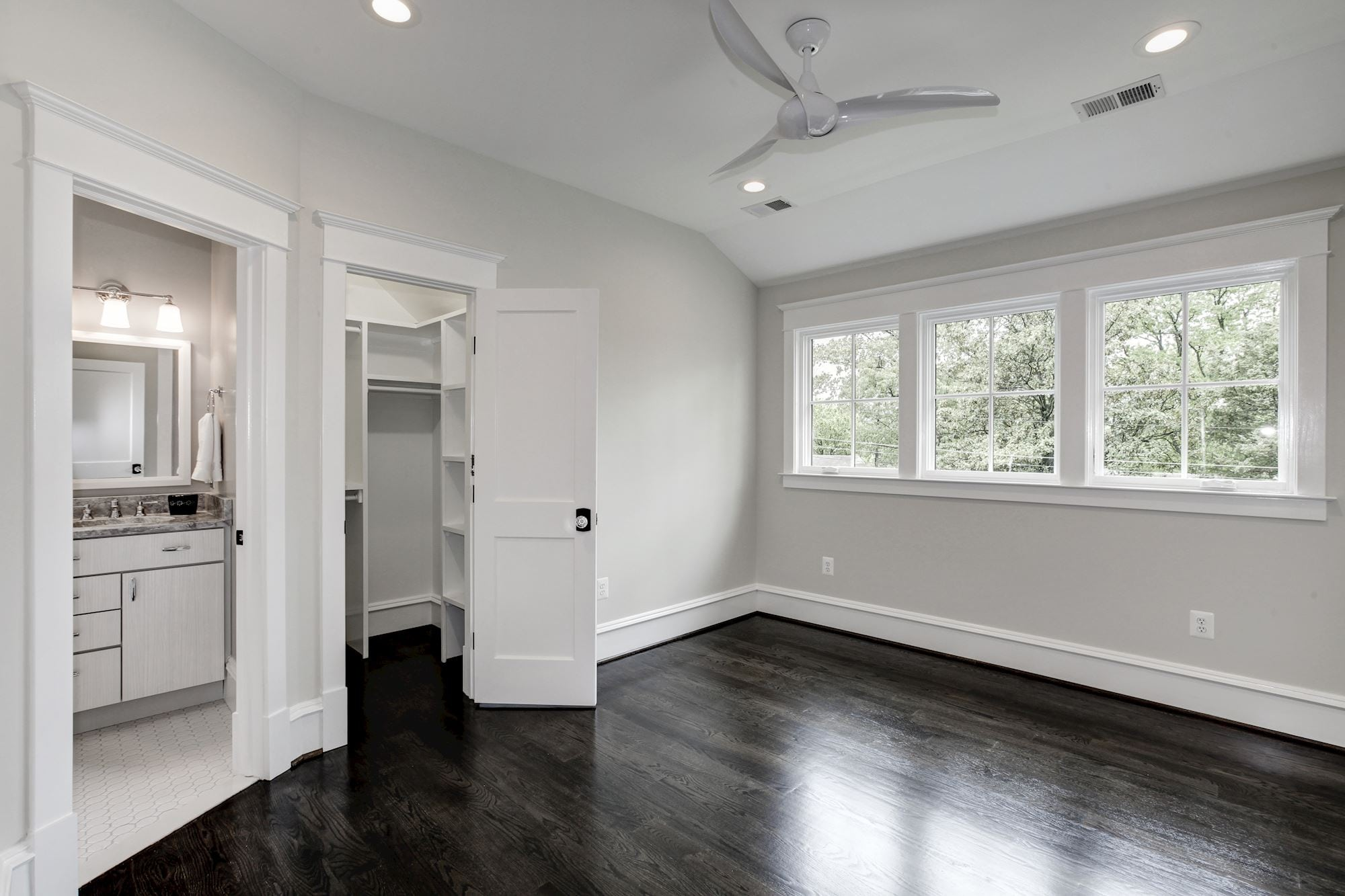 Upper level bedroom with walk in closet and en suite bath. Custom Home by Custom Builder, North Arlington, VA 22207
